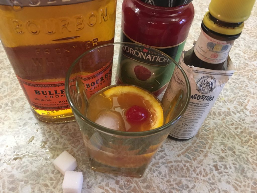 how to make an old fashioned bourbon cocktail