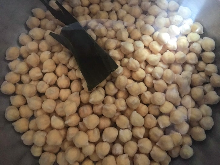 cooking dried beans with kombu